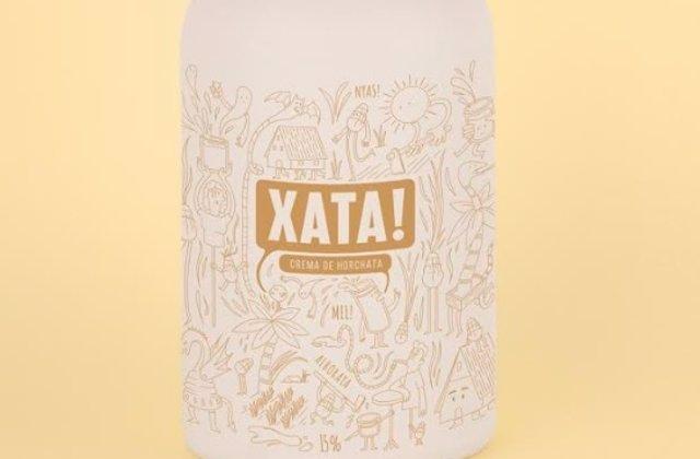 Botella del nuevo licor de horchata