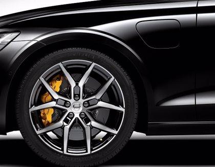 Volvo lanza un sistema que mejora el rendimiento de sus vehículos electrificados