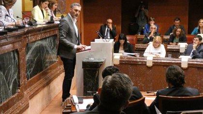 """Urralburu, al presidente López Miras: """"Todo usted es un lapsus y un error mayúsculo para la Región"""""""