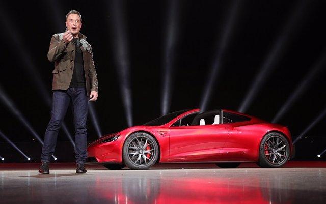 Tesla despedirá al 9% de su plantilla, en torno a 3.400 trabajadores