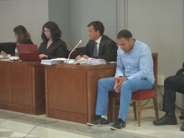 Hicham B., condenado por el asesinato de su bebé de 45 días