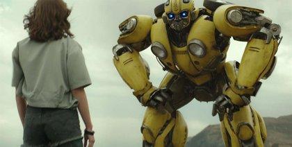 """Travis Knight, director de Bumblebee: """"Me crié en los 80, con los clásicos de Spielberg y quería reflejar eso"""""""