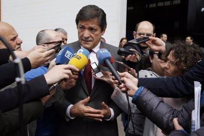 """Javier Fernández insiste en que la transición energética debe ser """"a medio y largo plazo"""""""