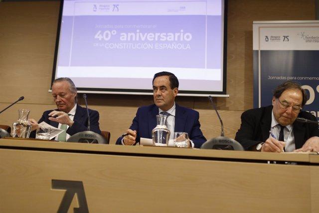 José Bono y Josep Piqué en un debate sobre el modelo territorial del Estado