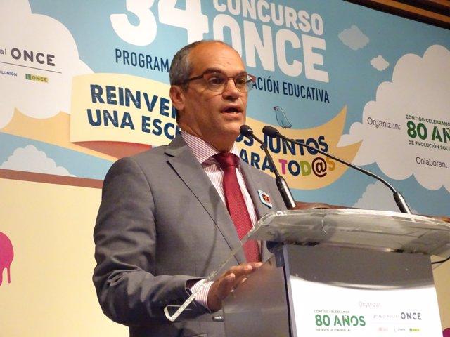 El Consejero De Educación De La Comunidad, Rafael Van Grieken
