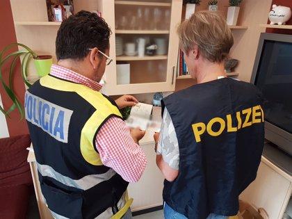La Policía Nacional libera a 15 mujeres y detiene a cinco proxenetas en una operación contra la trata en Austria