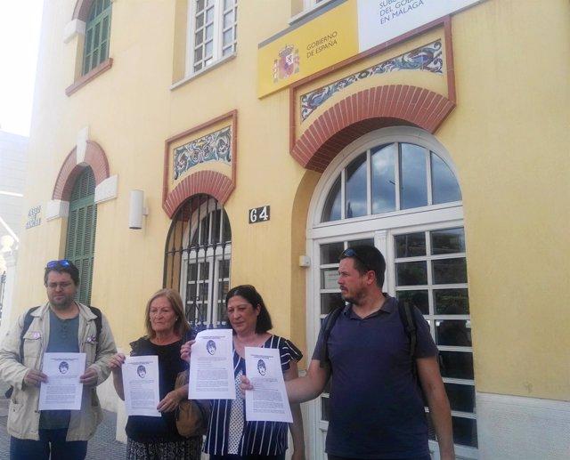 Familia garcia caparrós presenta una petición al Gobierno