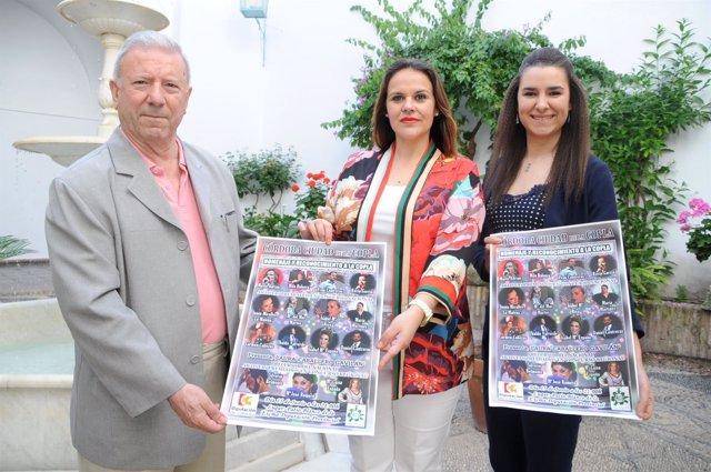 La delegada de Participación Ciudadana, Aurora Barbero (centro),