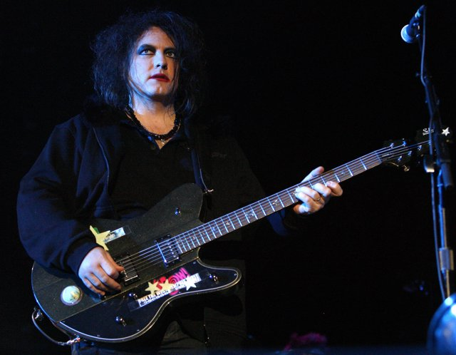 Robert Smith, Vocalista Y Guitarrista De The Cure