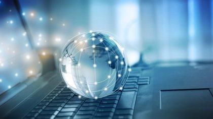 """Los padres de Internet y la Web se oponen a la """"monitorización y censura"""" del filtrado de 'copyright' de la UE"""