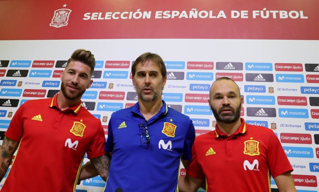 Julen Lopetegui Sergio Ramos Andrés Iniesta