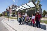 Foto: El Ayuntamiento instala ocho nuevas marquesinas para el servicio de autobús urbano