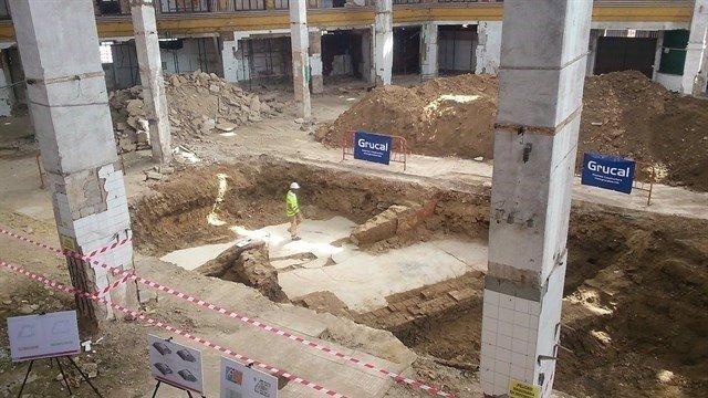 Excavaciones arqueológicas en el mercado de la Puerta de la Carne