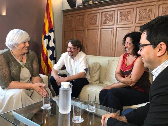 Dolors Sabater con Xavier Domènech, Susana Segovia y Gerardo Pisarello