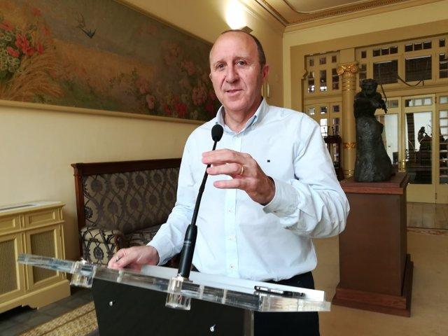 Alcover tacha de 'acusación absurda' que Company diga que Armengol no haya firmado el REB por estrategia política