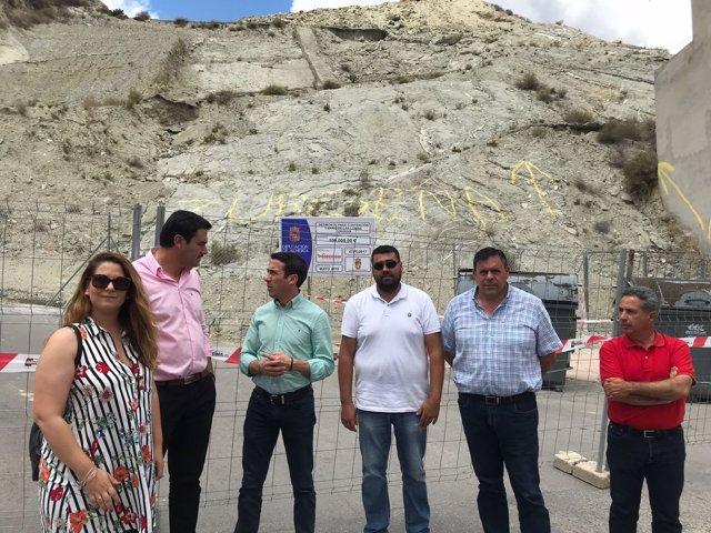 Diputación acaba con los desprendimientos en el Cerro de las Lomas de Zurgena.