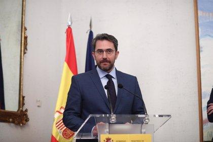 Màxim Huerta acude a La Moncloa para reunirse con Pedro Sánchez y retrasa su comparecencia a las 19.00 horas