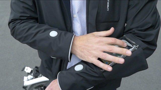 Chaqueta inteligente  de Ford para ciclistas