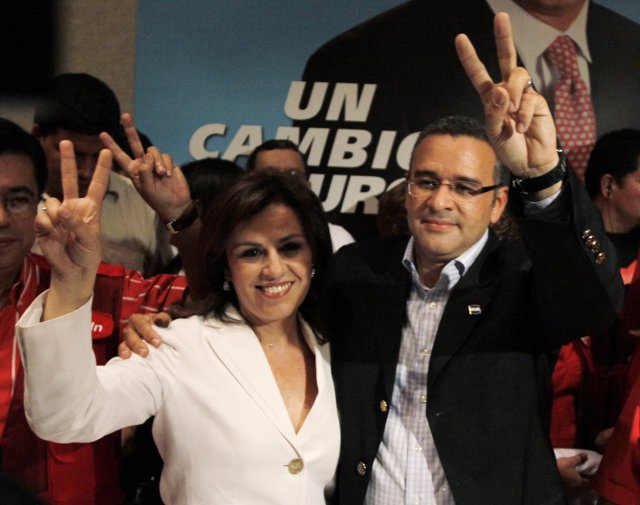Presidential candidate Mauricio Funes of the Farabundo Marti National Liberation