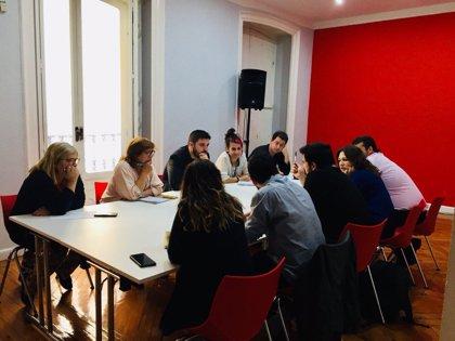 Podemos e IU acuerdan construir un programa común y grupos de trabajo para ir juntos a elecciones locales y autonómicas