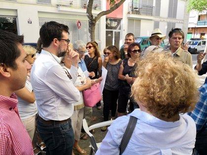Noguera visita Son Espanyolet para tratar problemas de convivencia con algunas viviendas de alquiler vacacional