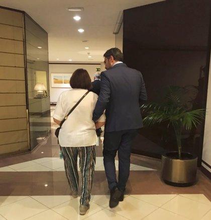 """Huerta se despide en Twitter con una imagen con su madre: """"Para defender aquello que más amas, es necesario retirarse"""""""