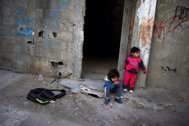 Niños en el campo de Shati, en la Franja de Gaza