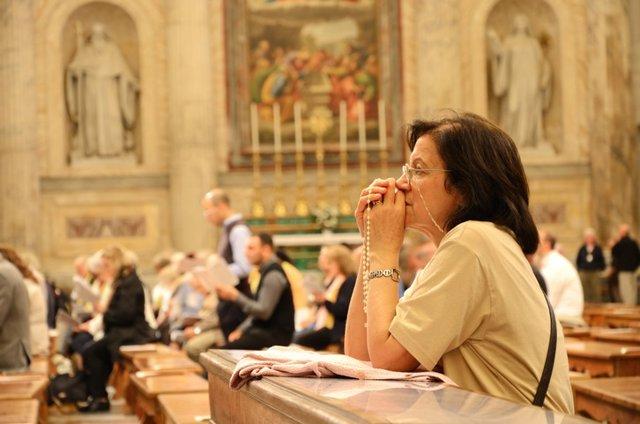 Religión, misa, iglesia