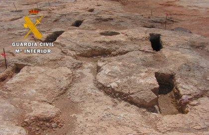 La Guardia Civil actúa contra cinco personas por causar daños en un yacimiento arqueológico de Fuente de Piedra