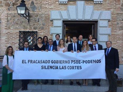 """PP escenifica su malestar por la """"censura"""" que sufre en las Cortes e insiste en que acudirá al Constitucional"""