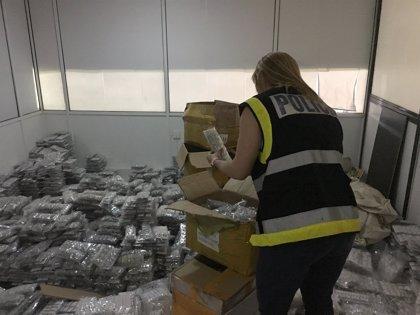 Localizan 378.158 piezas de bisutería falsificada valoradas en 22 millones en una nave de Manises