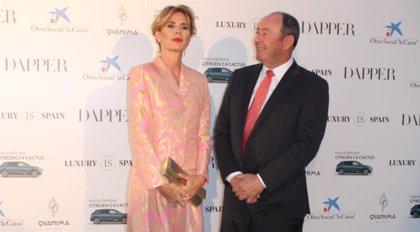 Ágatha Ruiz de la Prada vuelve a posar radiante junto a Luis Miguel