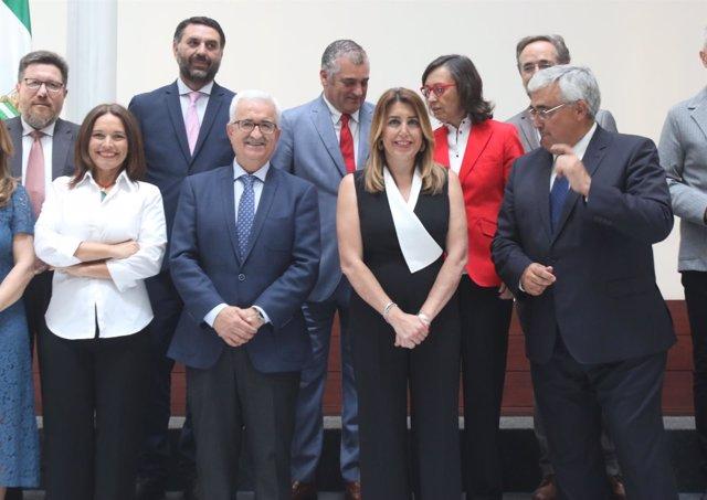 Consejeros andaluces junto a la presidenta de la Junta, Susana Díaz.