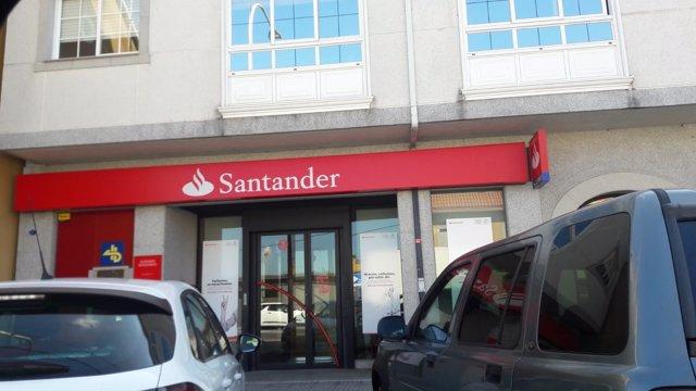 Sucursal atracada en Bergondo (A Coruña).