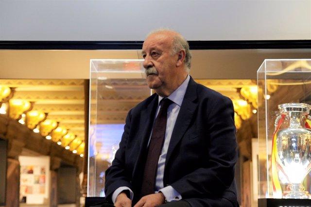 Vicente del Bosque en el Espacio Selección del edificio telefónica