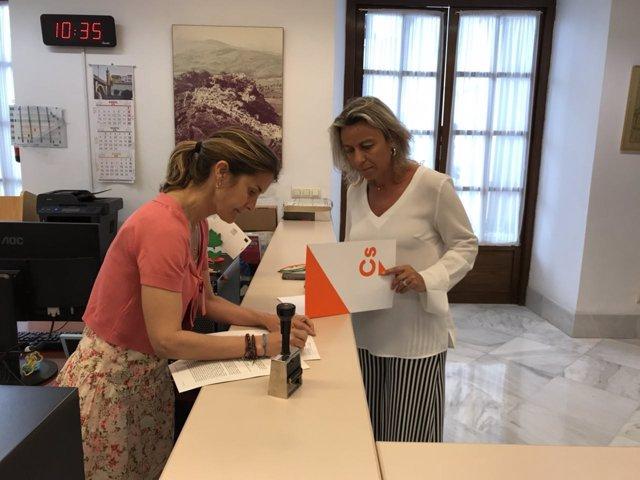 Cs registra una iniciativa sobre las clínicas iDental en el Parlamento andaluz