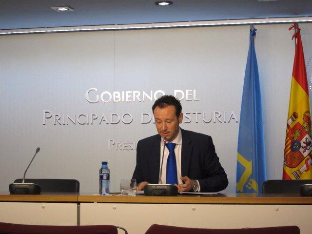 El consejero Guillermo Martínez