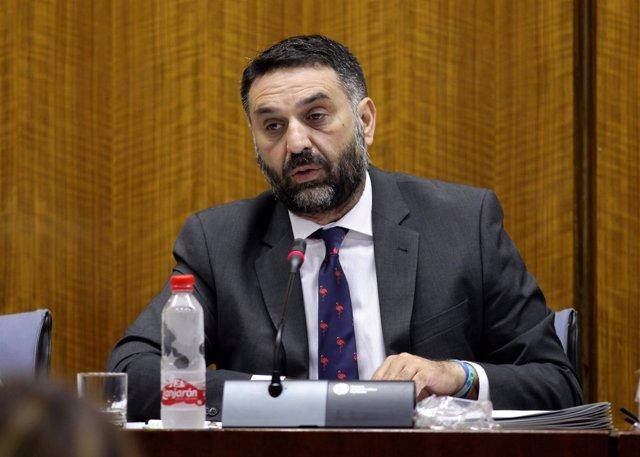 Francisco Javier Fernández, en comisión parlamentaria.