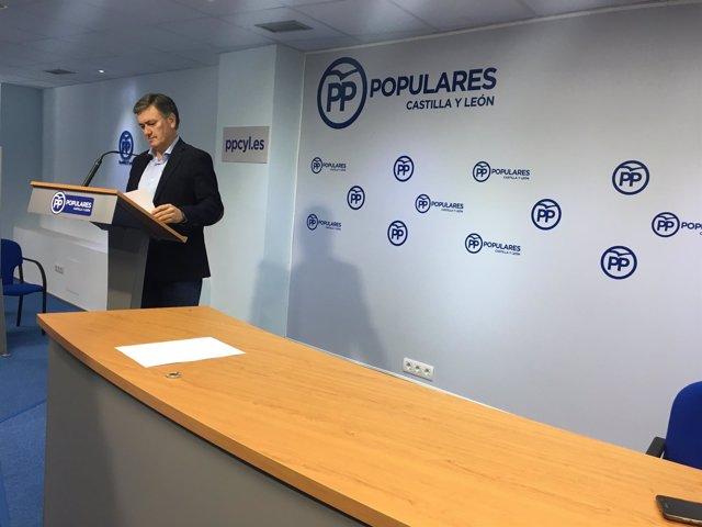 Valladolid.- Francisco Vázquez durante su comparecencia hoy ante los medios