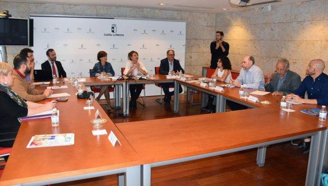 La consejera de Bienestar Social, Aurelia Sánchez, en la reunión