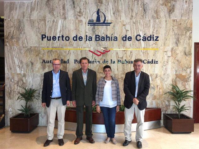 La Directora De La Agencia Pública De Puertos De Andalucía Visita El Puerto De L