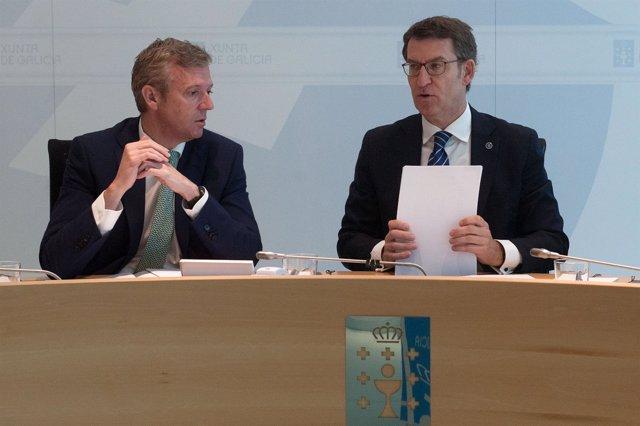 Feijóo preside o Consello da Xunta, xunto ao vicepresidente, Alfonso Rueda