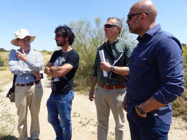 García Molina visita la ubicación del futuro parque Puy du Fou