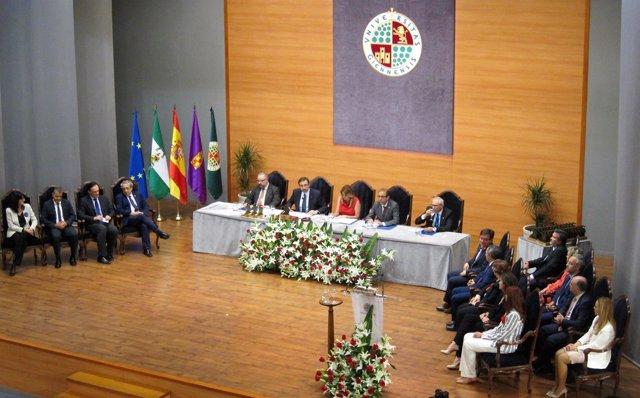 Acto institucional con motivo del 25 aniversario de la Universidad de Jaén.