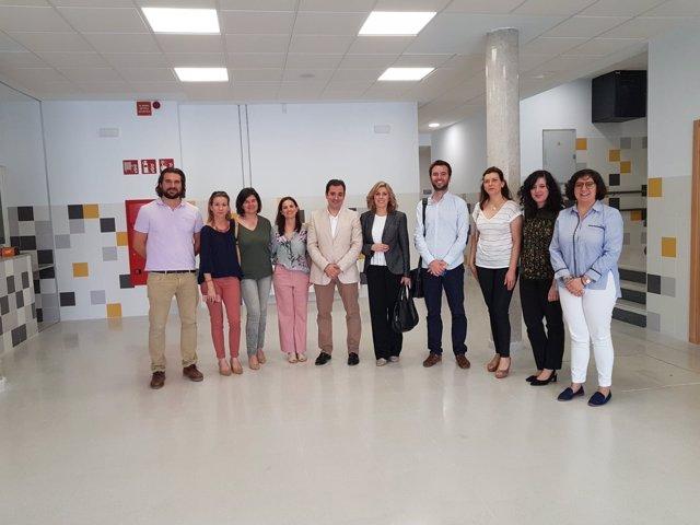 López (centro) visita el Colegio Nuestra Señora del Rosario de Montoro