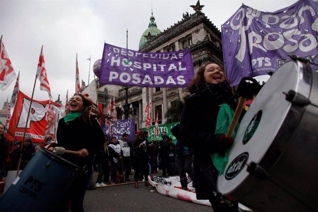 Manifestación a favor de la despenalización del aborto en Argentina