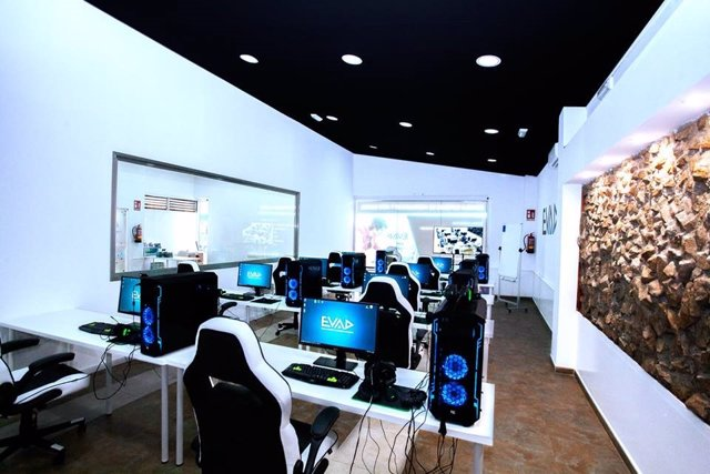 Centro evad málaga cursos másteres videojuegos