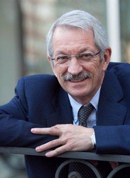 Alejandro Tiana