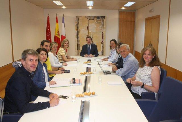Reunión del alcalde de Tres Cantos, Jesús Moreno