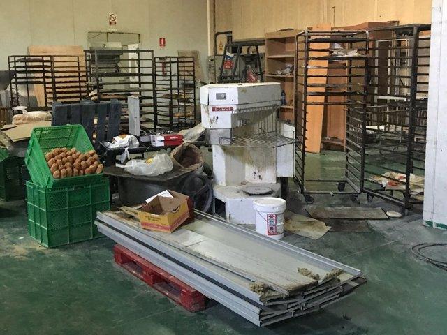 Fabrica clandestina de pan precintada